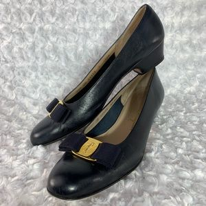 Navy Salvatore Ferragamo Shoes w/ Bow Size 9.5 AAA
